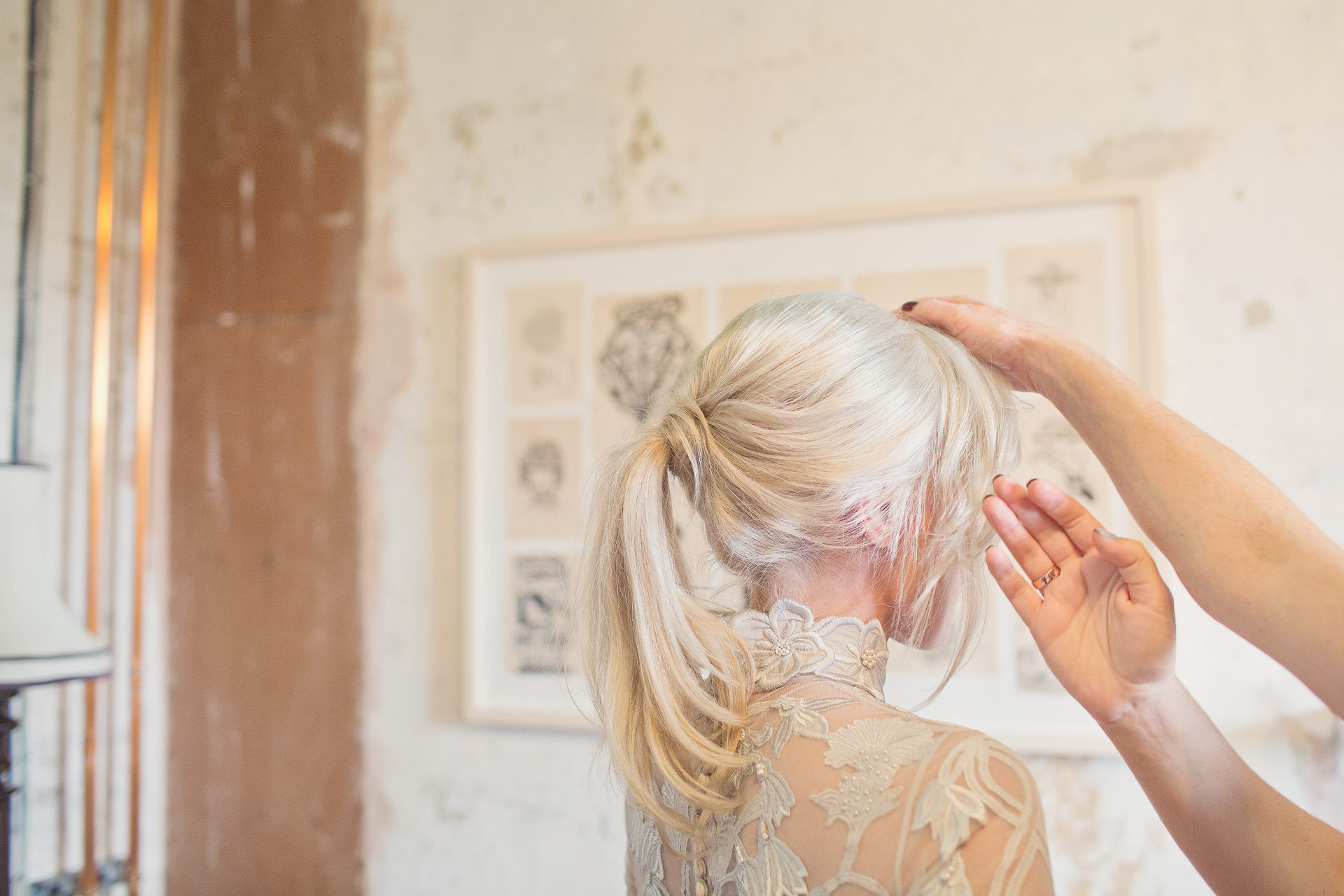 bride getting ready for her wedding in roth bar and grill somerset
